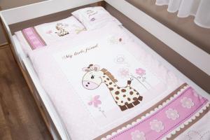 Lenny Lion Pink Giraffe Woven Wrap Baby Duvet Set